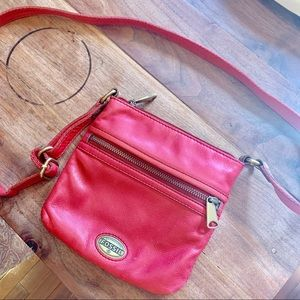 {FOSSIL} Red Leather Crossbody Bag